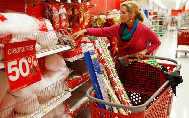 Smart Ways to Complete Your Shopping This Christmas Season