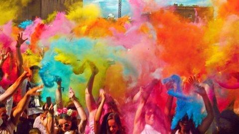 Exciting Ideas That Can Add Fun and Zing To Your Holi Party